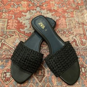 ZARA BLUE COLLECTION US SIZE 8 woven flat sandals